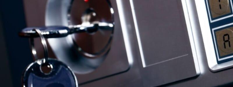 התקנת מנעול כספת אילן המנעולן פורץ מנעולים